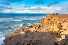 Atlantischer-Ozean-und-Steilküste-in-Westsahara