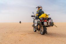 Sandfahren inmitten der Sahara in Mauretanien